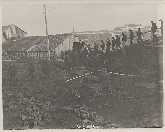 Gruvearbeidere ved Tunheim. Foto: Norsk Polarinstitutt