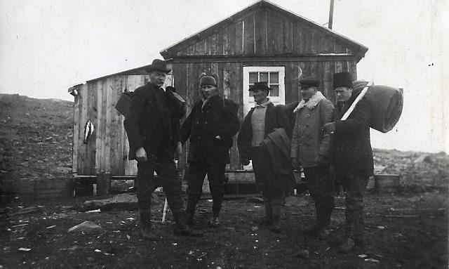 Diamantborere ved Ellasjøen. Foto: Norsk Polarinstitutt