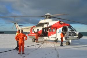 Sysselmannshelikopteret var her, og vi fekk vere med på tur over øya!