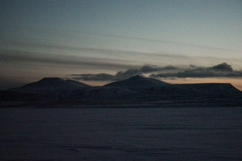 Miseryfjella med Skuld, Verdande og Urd sett fra venstre. Foto: BOF