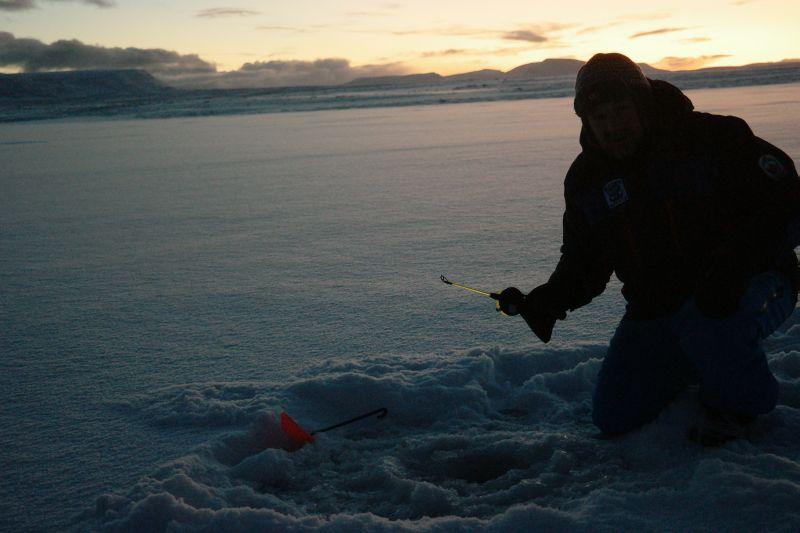 En kan vel ikke få det mer idyllisk på fisketur enn dette? Foto: BOF