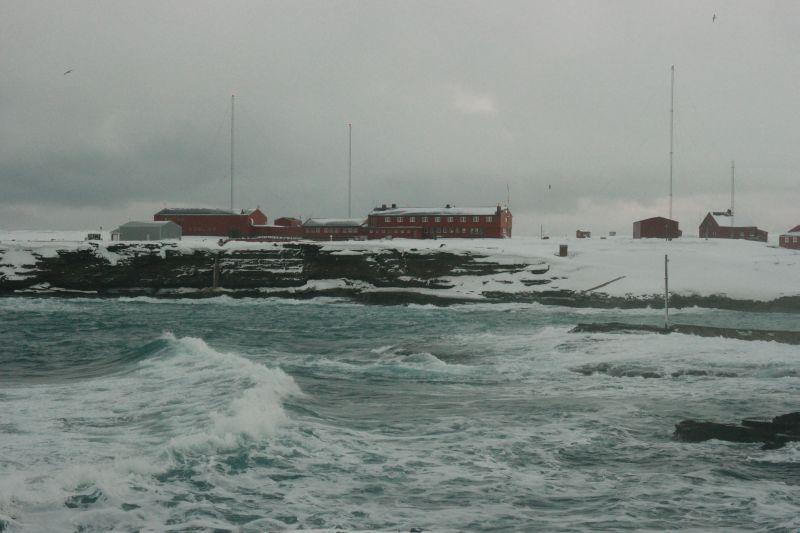 Bjørnøya meteorologiske stasjon. Foto: BOF