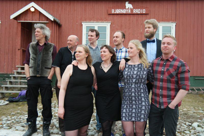 B.v: Ted, Bjørn Ove, Oddvar, Raymond, Rune F.v: Kristine, Kari, Ragnhild, Adam Foto: BOF