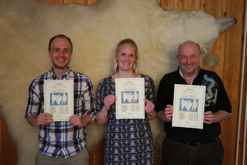 Raymond, Ragnhild og Bjørn Ove hadde gjort seg fortjent til Kjenmannsmerket denne sesongen. Foto: Kari