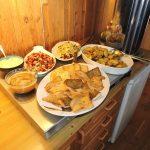 """Vidars middagsønske var stekt Piggvar med mye godt tilbehør, - kaka var """"Verdens Beste"""". Formidabelt godt!"""