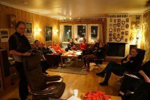 Prest Leif Magne Helgesen overbringer gode ønsker for julen.